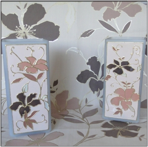 Colour matching of wallpaper swatch to lamp design