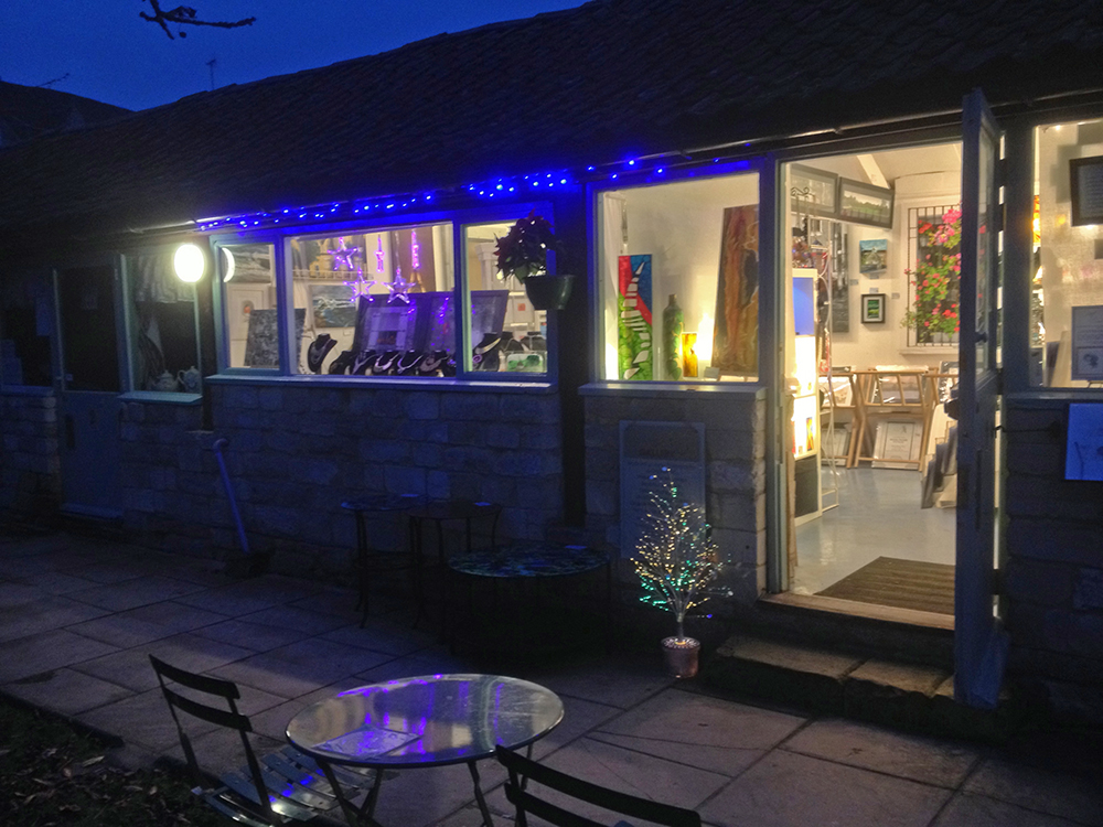SerenArts Gallery with Christmas lights