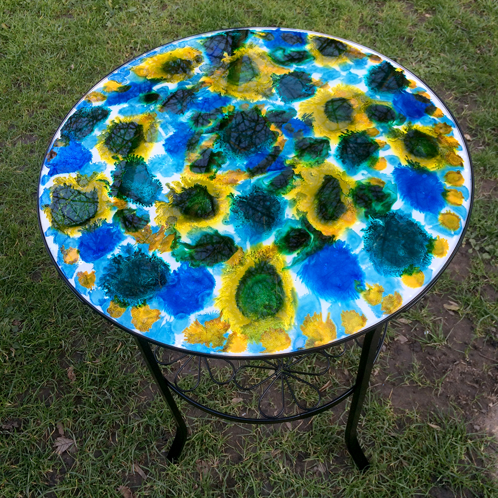 glass art table by serena pugh
