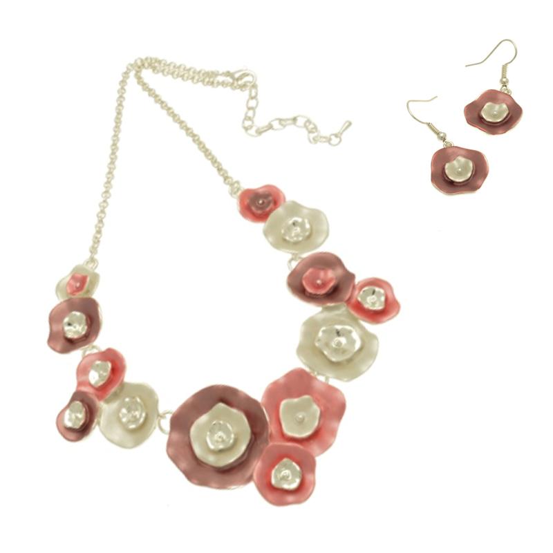 Romantic Floral Necklace Set