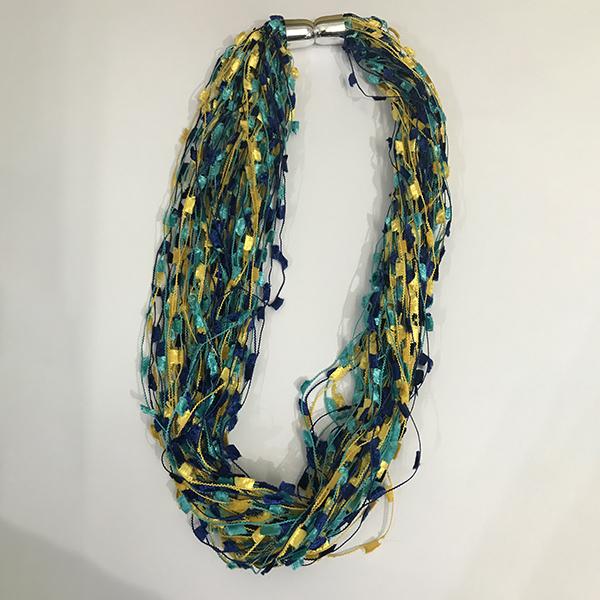 serenarts-gallery-magnetic-scarf-shimmer-1