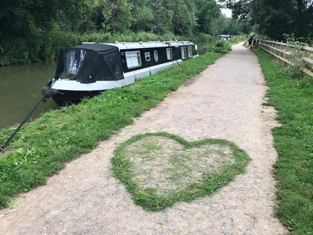 serenarts gallery - love on the tow path